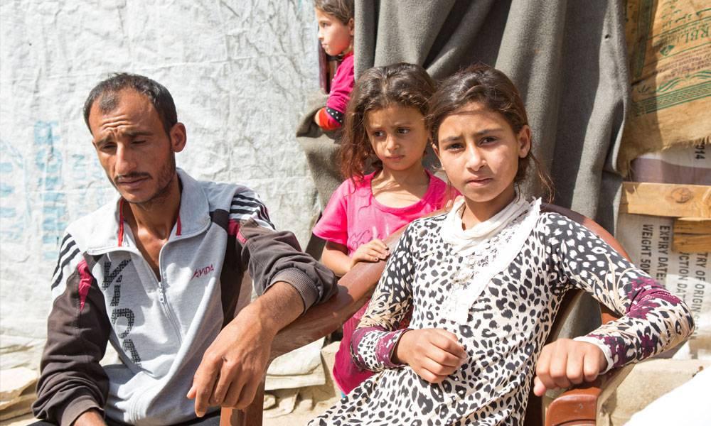 Horeyas Bruder kümmert sich um seine kleine Schwester und seine eigenen fünf Kinder