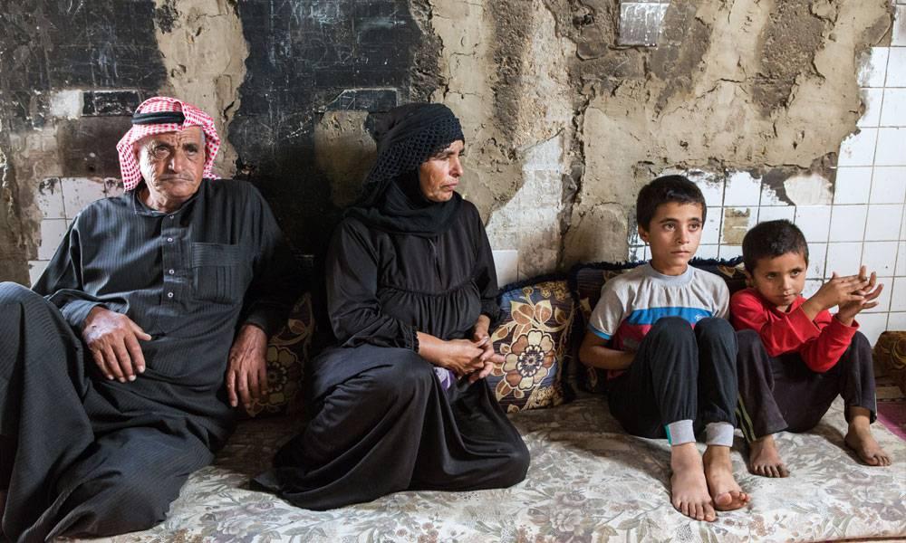 Jamen und seine Familie haben Schutz in den Ruinen einer alten Fabrik gefunden