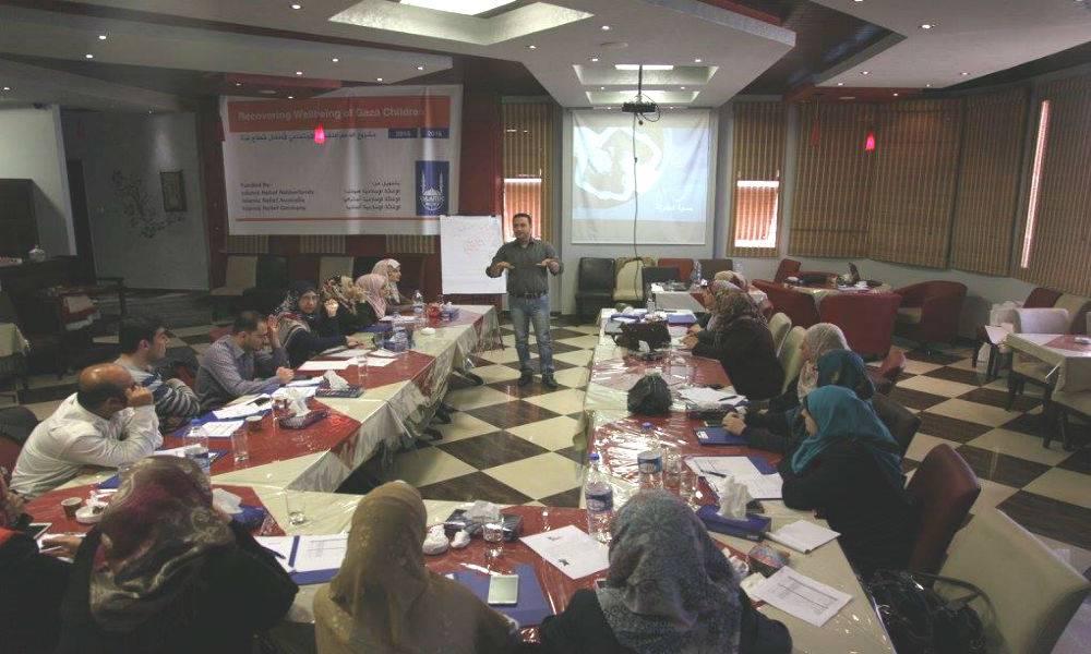 Ich liebe es, mein Wissen weiterzugeben. Seitdem ich bei Islamic Relief arbeite, habe ich schon viele Schulungen für unsere Mitarbeiter durchgeführt.